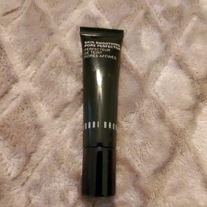 BOBBI BROWN Skin Smoothing Pore Perfector